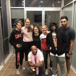 Вечером 20 февраля фанаты смогли поймать Эминема в аэропорту Брисбена. Эм покидал город после своего концерта и направлялся в Сидней
