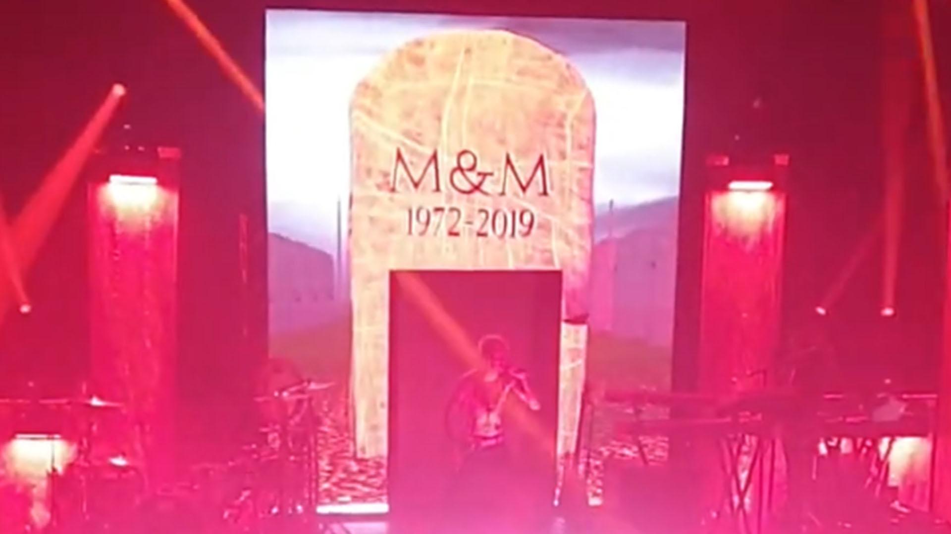 MGK троллит Eminem'а в годовщину альбома «Kamikaze»