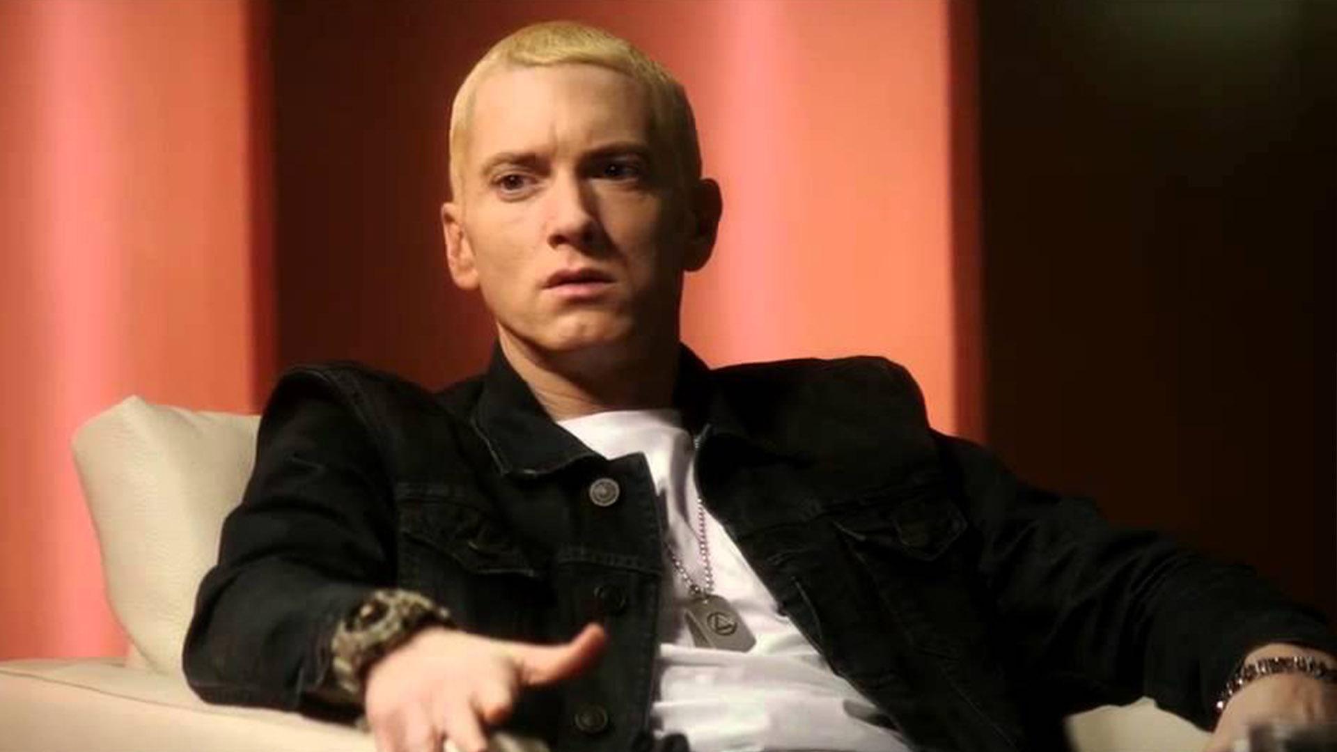Eminem поддержал новый вирусный тренд, но Слим не спи, так что он сделал свою вервию