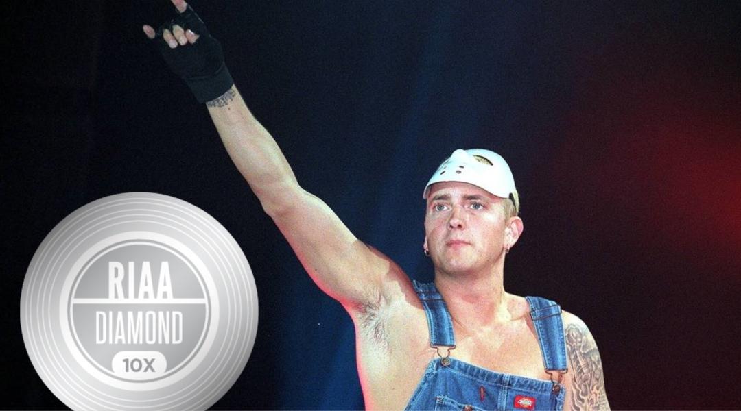 Бриллиантовый сертификат Эминема от RIAA